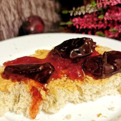 dulceata de prune cu pinot noir si condimente